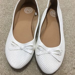 3/$15 SO White Flats with Bow